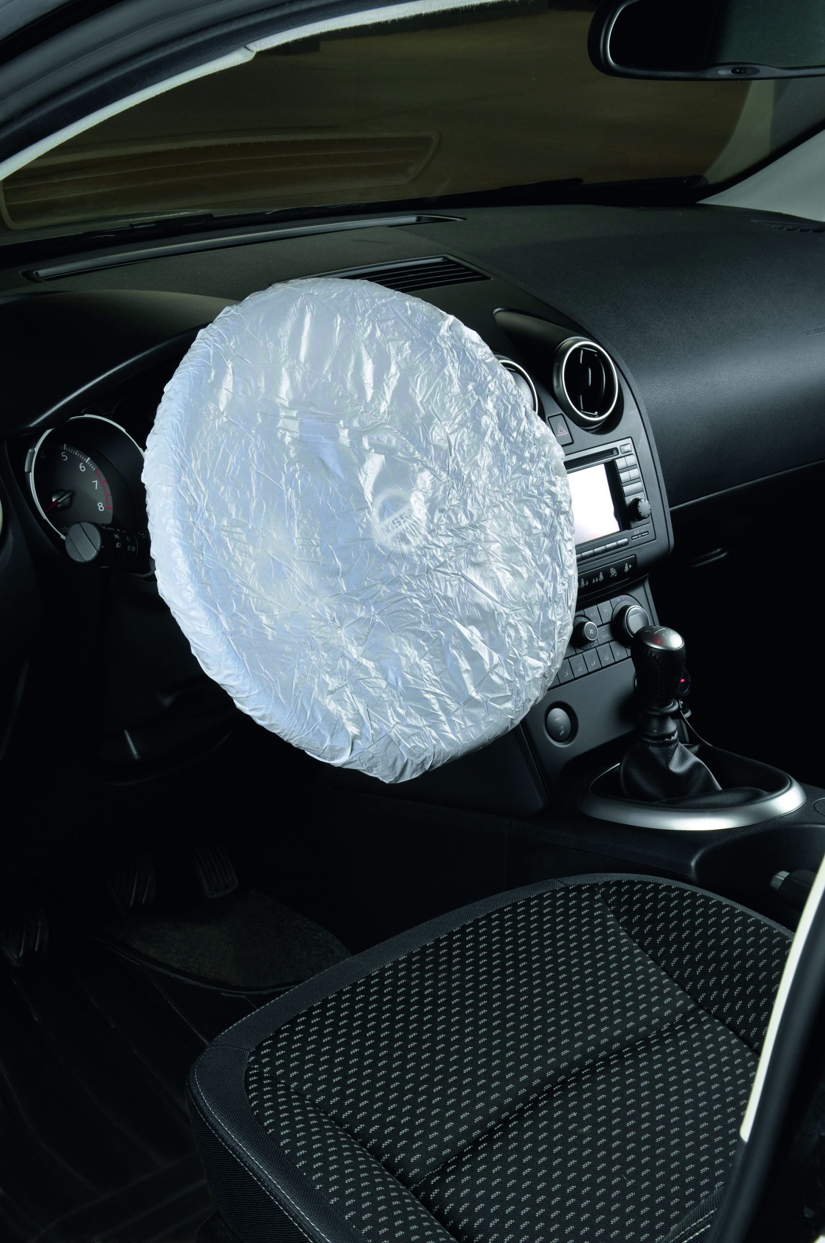 8200002 Steering wheel cover